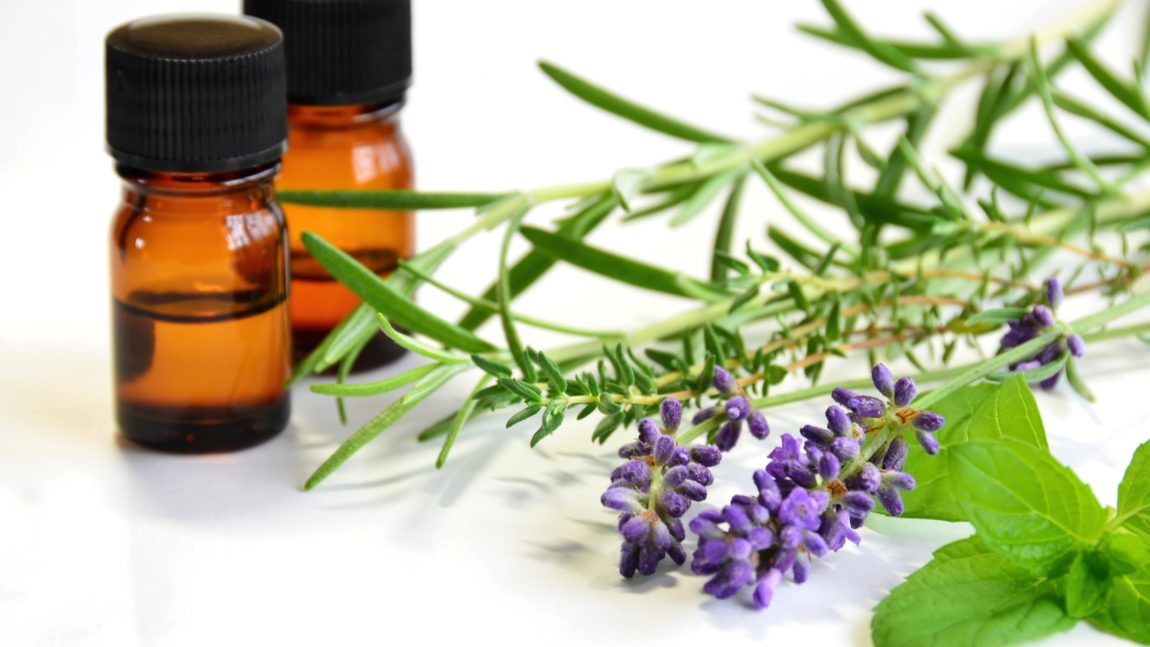 Essential-oils-and-bible-1150×647